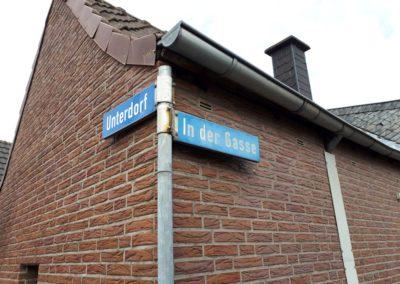 """Straßenecke """"Unterdorf"""" und """"In der Gasse"""""""